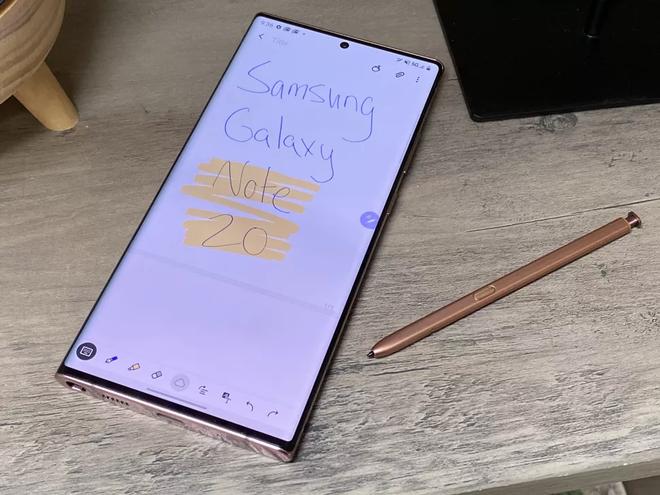 Chưa ra mắt, iPhone 12 Pro đã bị Galaxy Note20 Ultra đánh phủ đầu
