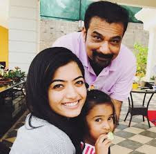 Rashmika mandanna with her father and sister M.A Mandanna,Shiman Mandanna