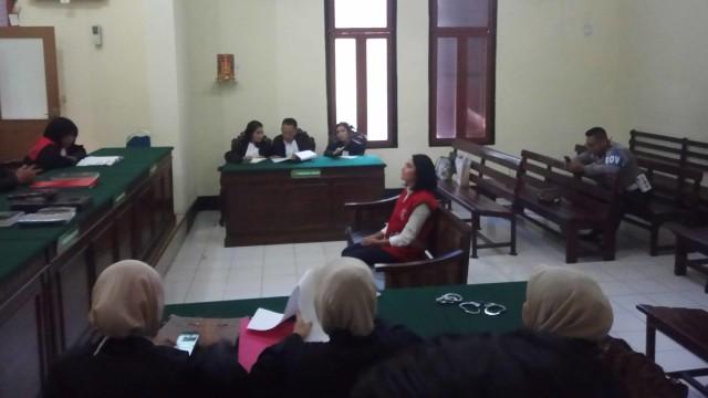Kasus ! Vanessa Angel Dituntut 6 Bulan Penjara