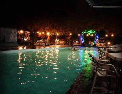 kolam renang sapadia malam hari