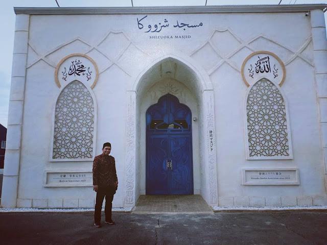 Ustadz Salim Afillah: 'Masjid Milik Siapa?