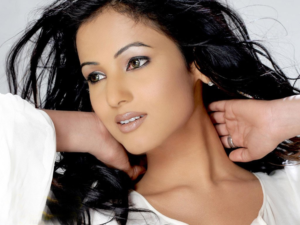 Sonal Chauhan Suhel: HD Wallpapers (High Definition)