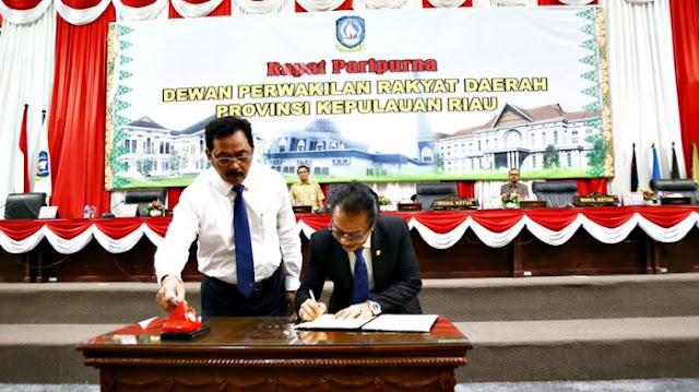 DPRD Kepri Sahkan Perda Pengelolaan Barang Milik Daerah Pada Paripurna