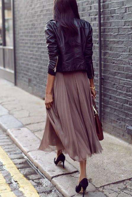 cool street style_leather jacket + bag + heels + midi skirt