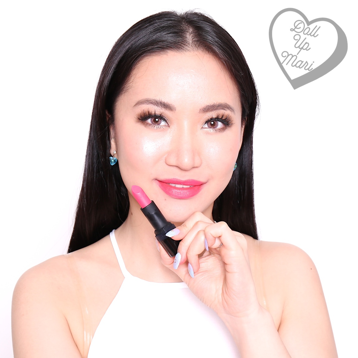 Mari wearing Vibrant Melon shade of AVON Perfectly Matte Lipstick
