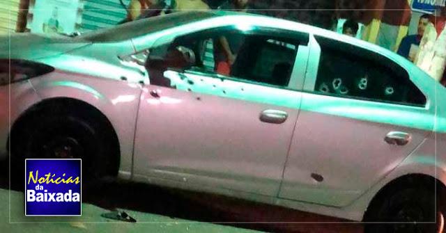 Homem é executado a tiros dentro de carro na Baixada Fluminense