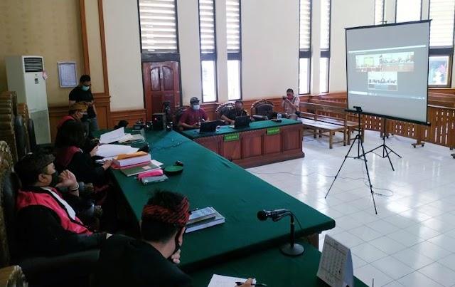 Sidang Perdana Jerinx Diwarnai Aksi Walkout