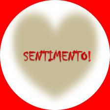 A imagem mostra o coração com a palavra sentimento humano.Quando alguém machuca o sentimento alheio faz sangrar o coração.