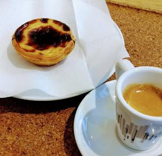 pastel de nata e café