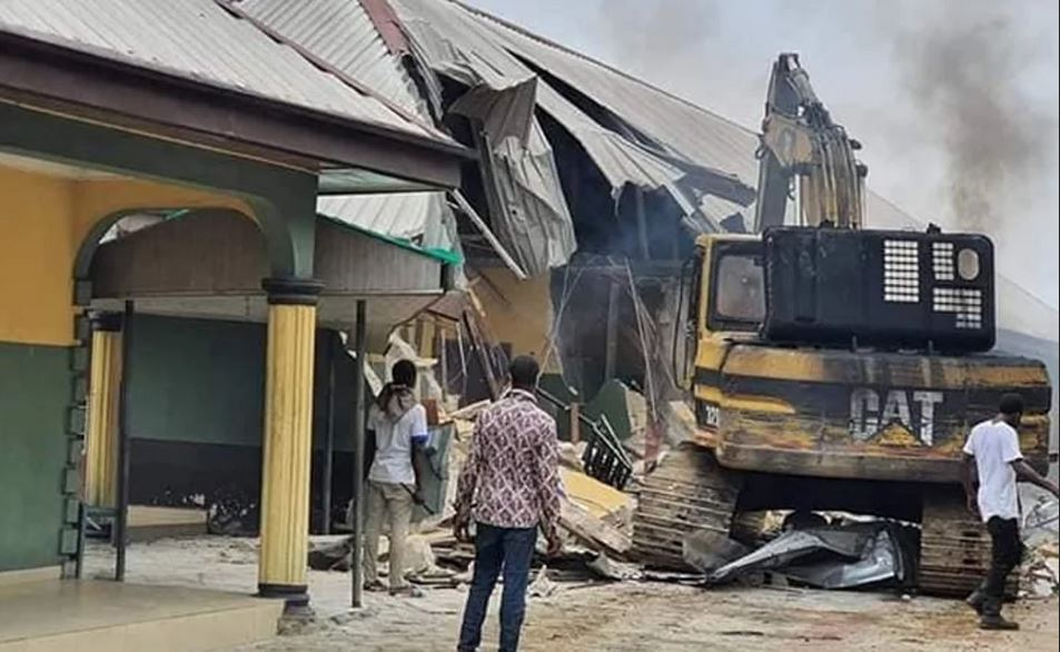 Gov. Wike Demolishes Two Hotels For Flouting COVID-19 Lockdown In Rivers State (Photo