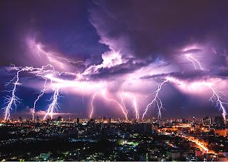 sky-lightning-global-warming