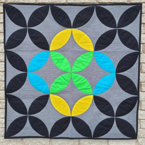 Mix it Up mini quilt pattern | DevotedQuilter.com