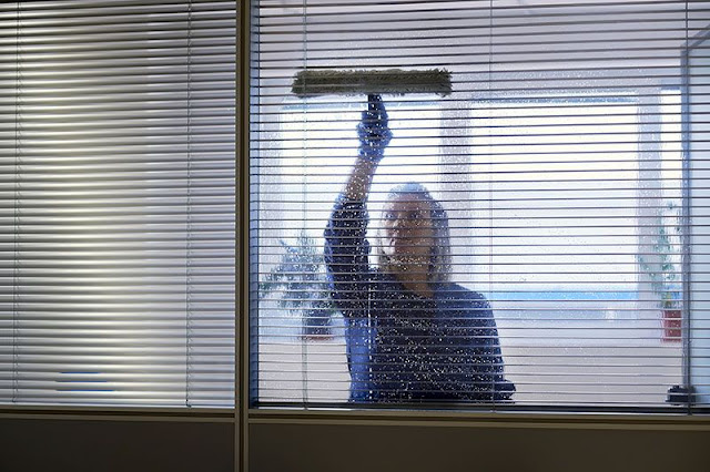 how to clean really dirty blinds