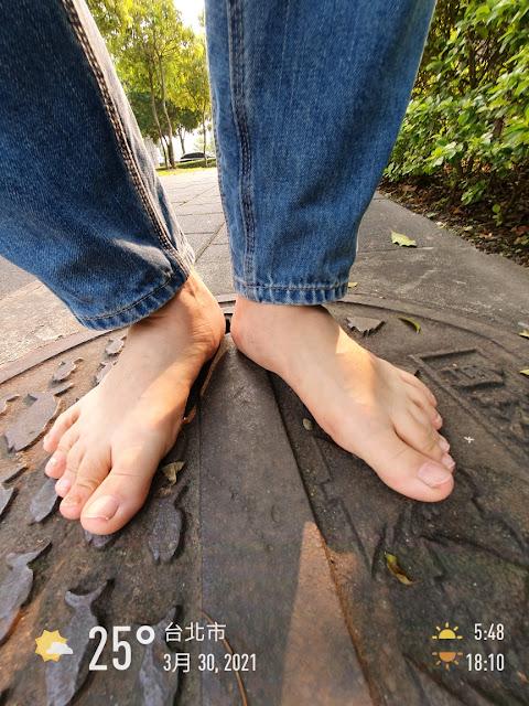 赤腳生活 養成赤腳行走的習慣可預防腳部的傷害