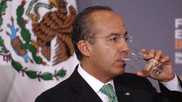 Afirma Felipe Calderón que el mediocre de AMLO nunca lo perdonó por ganarle la presidencia en 2006