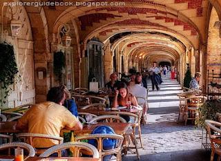Place des Vosges Cafe