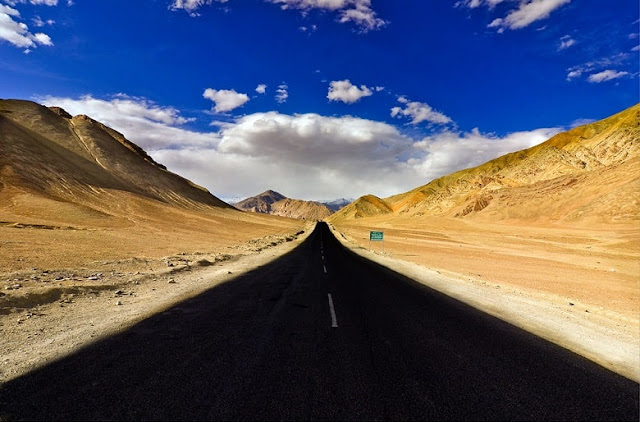 Magnetic Hill, Best Places to visit in Ladakh