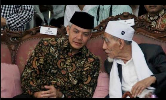 Ganjar Pranowo dan Mbah Moen