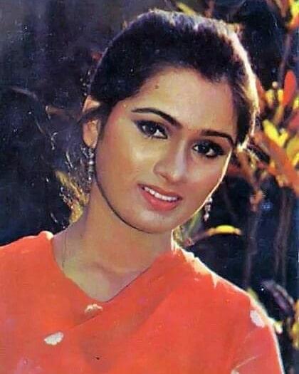 Padmini Kolhapure  (Actress) Wiki,Bio,Age, Education, Awards, Family and Many More