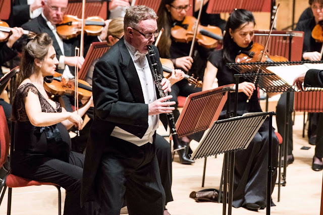 Premiere of Joseph Phibbs Clarinet Concerto - Mark van de Wiel, Philharmonia Orchestra at the Anvil (Photo Camilla Greenwell)