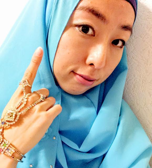 日本人ムスリマのインドネシア風おしゃれブルーヒジャブ