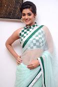 Yamini Bhaskar latest glamorous photos-thumbnail-8