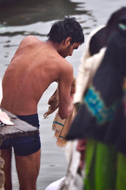 Desi Indian young man men male langot underwear bulge river bathing dickslip bulging wet picture varanasi banaras