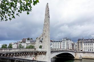 Paris : Sainte Geneviève au Pont de la Tournelle, une oeuvre de Paul Landowski - Vème