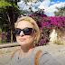 Η Μάγδα Τσέγκου μας ξεναγεί στα στενά της Πλάκας... (video)