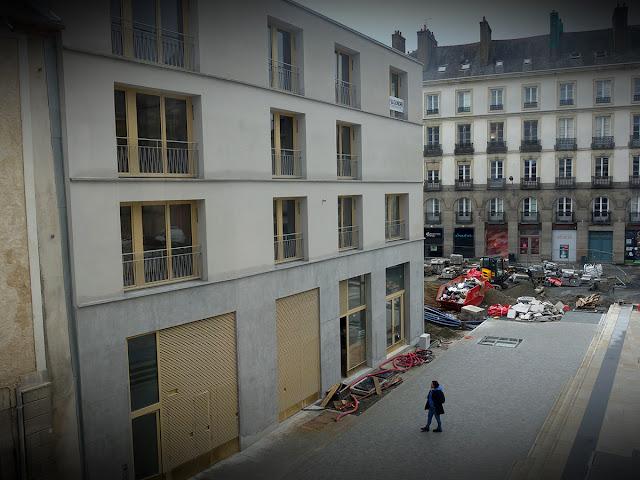 L'immeuble « Le Persan » sur la Place Saint-Germain de Rennes (Décembre 2020)
