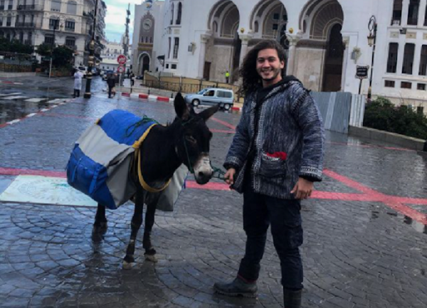 Traversée de l'Algérie avec un âne: le challenge qui passe mal sur les réseaux sociaux