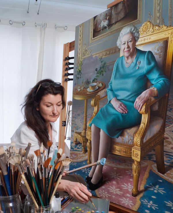 Miriam Escofet in her studio working on her portrait of The Queen
