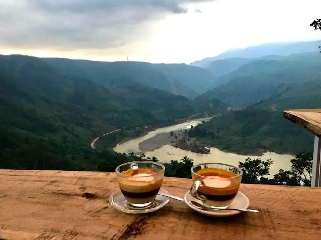 Phát hiện quán cà phê ở Khe Sanh không thua Mã Phì Lèng