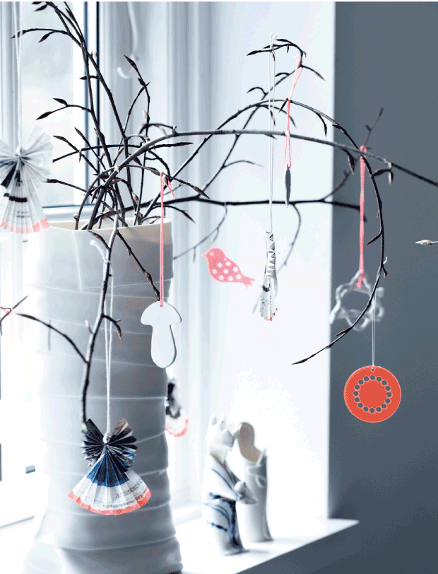 ramas secas decoradas para Navidad