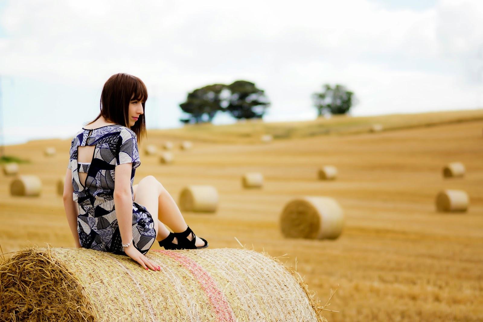 Hello Freckles Hay Bales Harvest OOTD 6