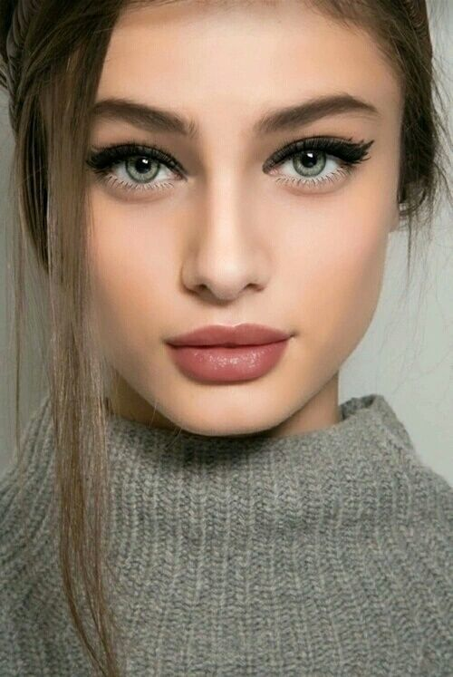 trendy and simple makeup idea