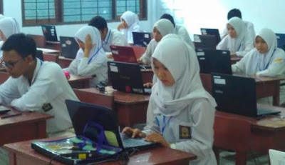Keamanan soal tetap menjadi perhatian dalam pelaksanaan ujian nasional. Termasuk ujian nasional berbasis komputer (UNBK)