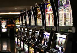 Asti: in alcune fasce orarie non si usano le slot machine
