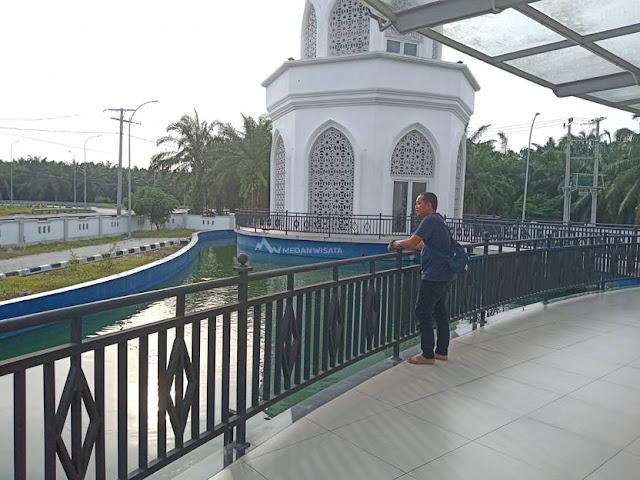 Megahnya Masjid Agung Serdang Bedagai