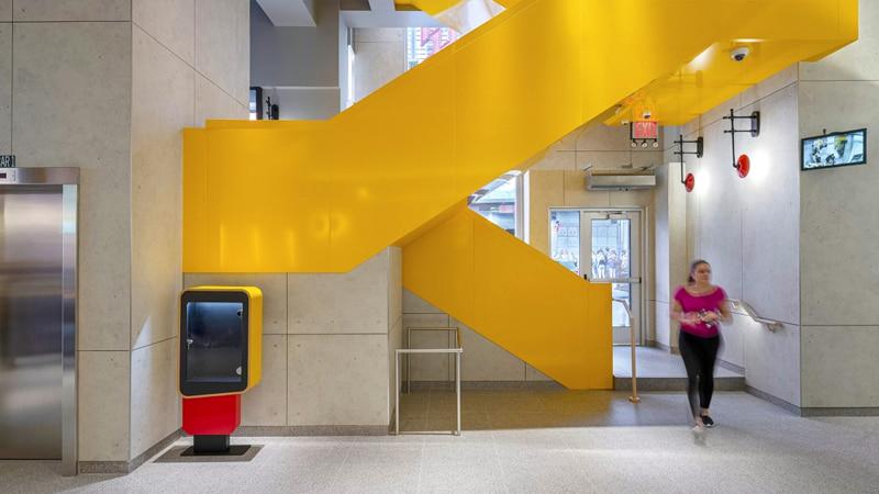 Nuevo-sistema-visual-McDonalds-simplificado-interactivo-memorable