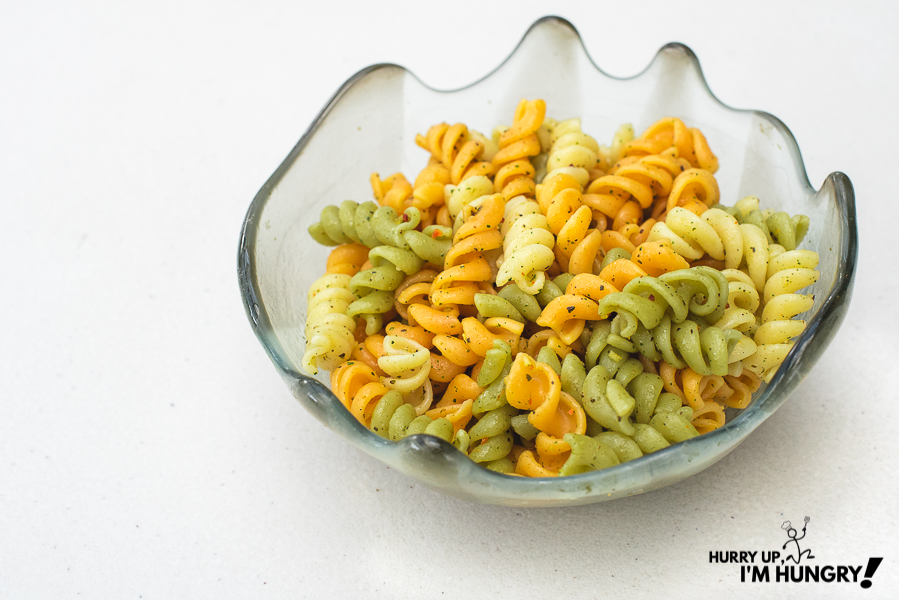 How to make rotini pasta with italian seasoning and olive oil