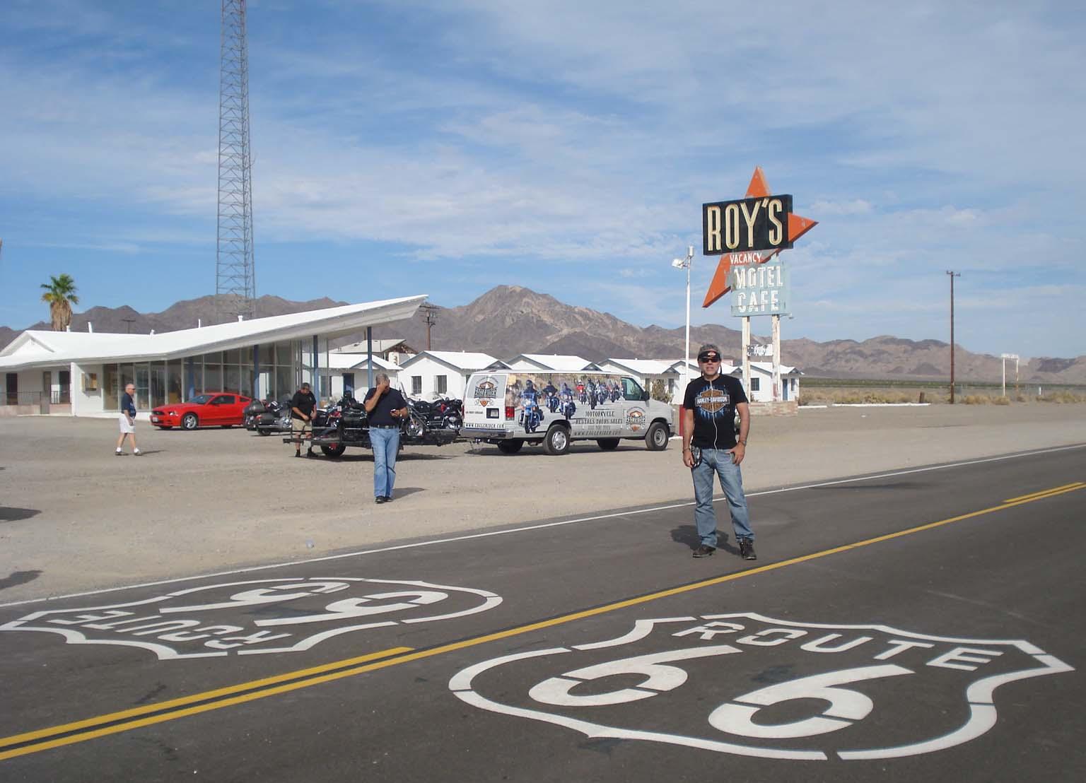 Rota 66 nos EUA de moto Harley Davidson