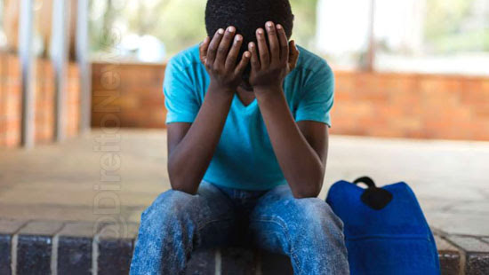 pais pagar 12 mil racismo escola