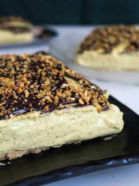 SERNIK pistacjowy z polewą czekoladową