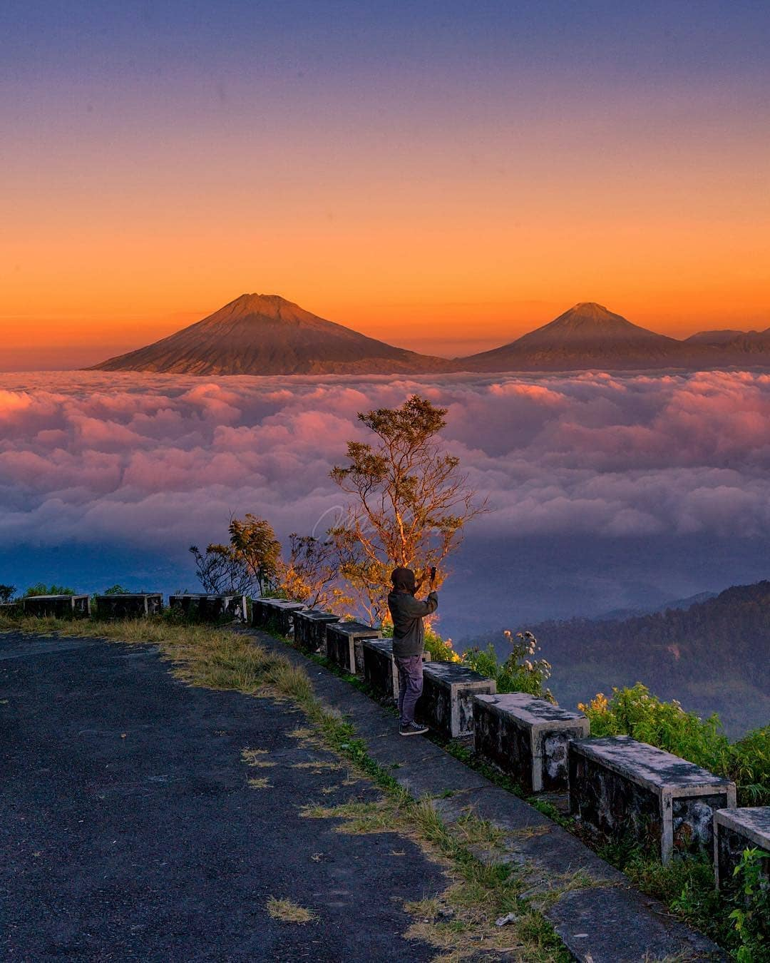 Lokasi, Rute, Foto Dan Harga Tiket Masuk Puncak Gunung