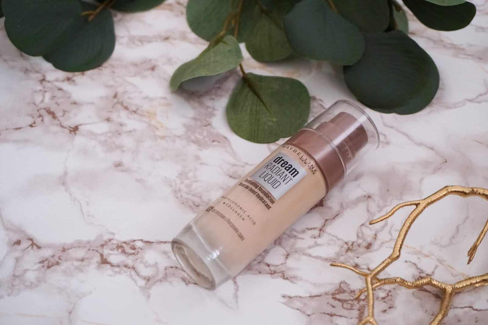 Review Maybelline - Dream Radiant Liquid Foundation