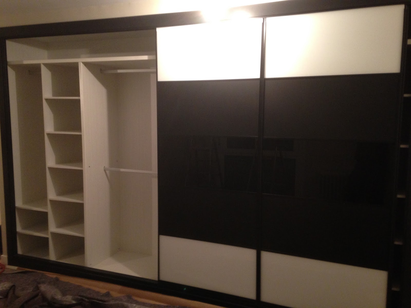 Dise o de interior de armarios empotrados ch decora - Zapateros interior armario ...