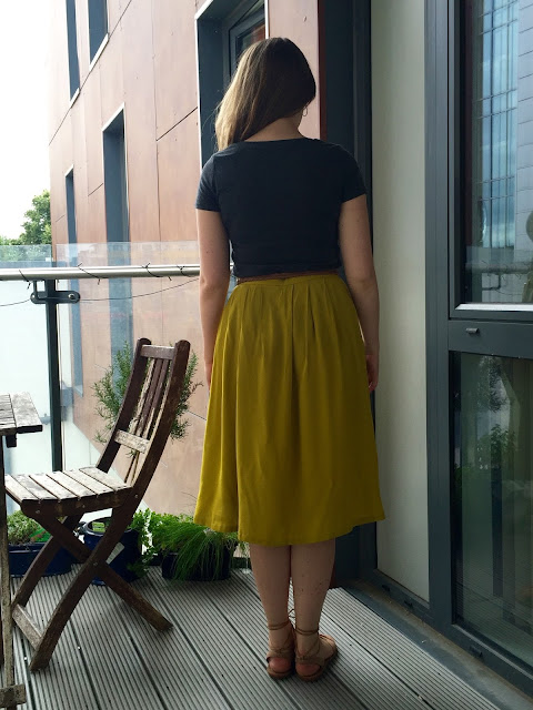 Diary of a Chain Stitcher: Mustard Rayon Midi Skirt and Charcoal Cotton Sewaholic Renfrew Tee