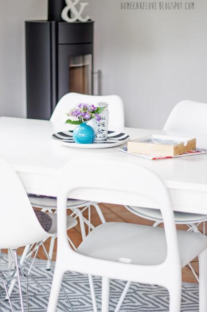 Wohnzimmer, sommerlich dekorieren , skandinavisch einrichten, scandinavian design, decorblog, diy holztablett, mit Landkarten dekorieren
