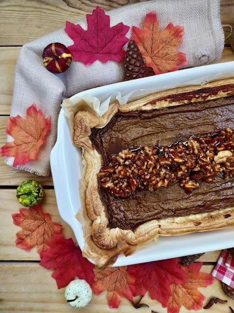 Receta de tarta americana de batata. Sweet potato pie.  Thanksgiving Day traditional recipe. Boniato asado. Nueces caramelizadas. Hojaldre Lidl Cuca